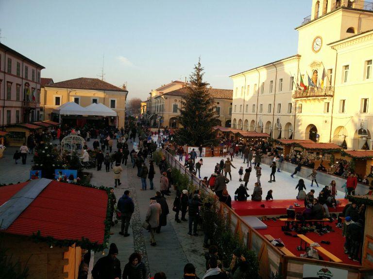 Piazza Garibaldi, pista di ghiaccio