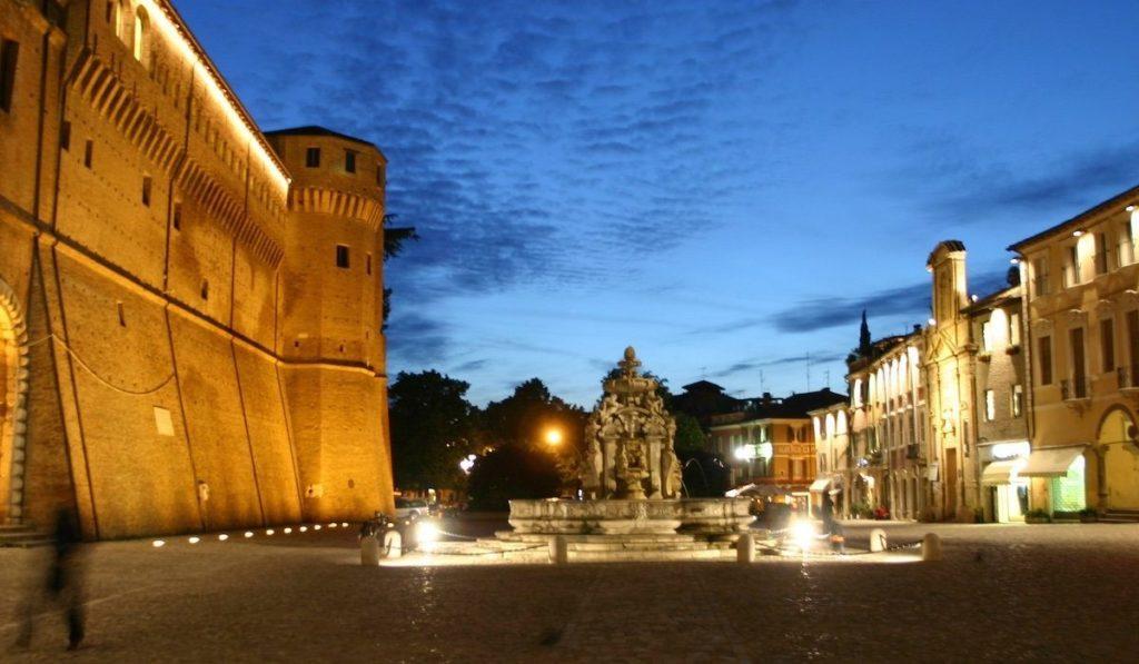 Pazza del Popolo a Cesena