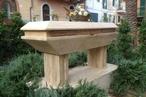 Monumento al Caravaggio Monte Argentario, esperienze Hotel Erasmo