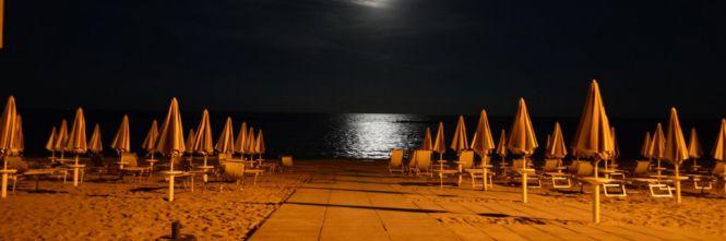 La spiaggia di Riccione di notte