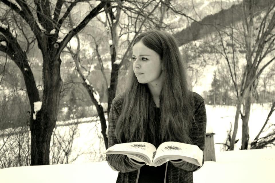 Valentina e la numerologia....libro aperto in mezzo alla natura!