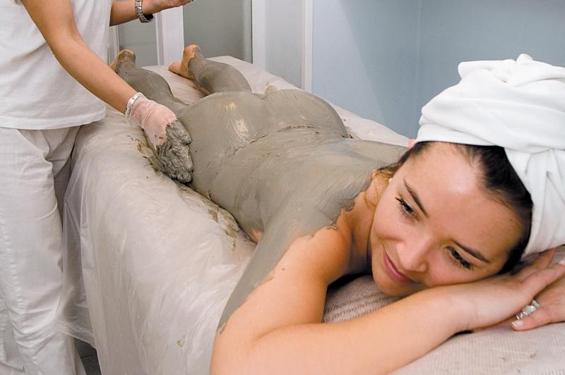 massaggio fango terapeutico