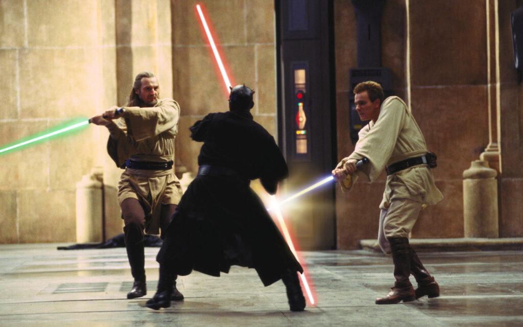 I cavalieri Jedi combattono contro Darth Maul in una scena del film Star Wars: Episodio I - La Minaccia Fantasma girato in una delle sale della Reggia di Caserta
