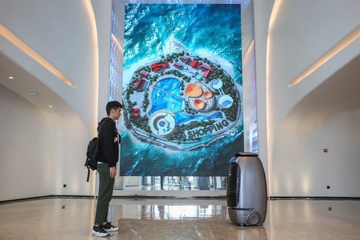 esempio di hotel del futuro con totem